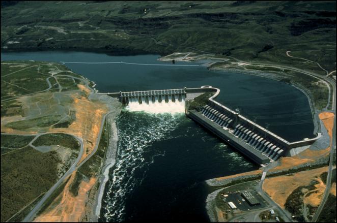 Chief Joseph Dam 800px