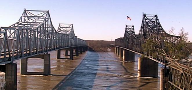 Mississippi River Bridges at Vicksburg 800px