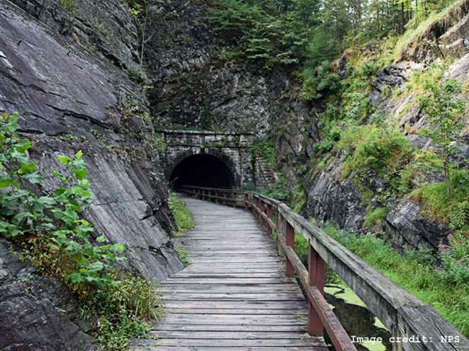 Paw Paw Tunnel Downstream Portal w image credit 999px
